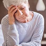 'תספורת' לקשישה שנפגעה מהחלקה על צואה בשוק